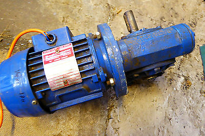 Single phase 240 v motor with reduction gear output