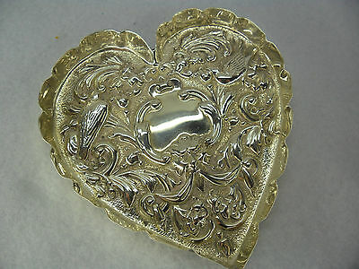 William Comyns Sterling Solid Silver Heart Shaped Pin Dish, London 1901