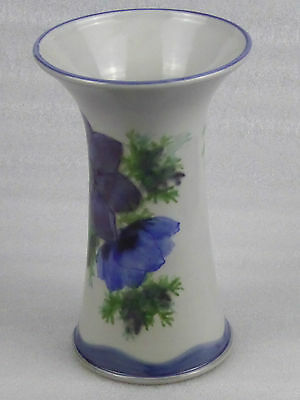 Lovely Highland Stoneware free hand painted Flower Cylinder Vase VGC. 22cm tall