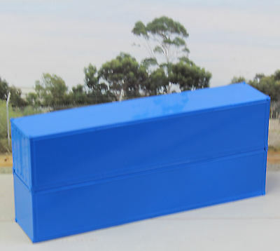 Two 40ft smooth sided, Blue containers in HO scale – new