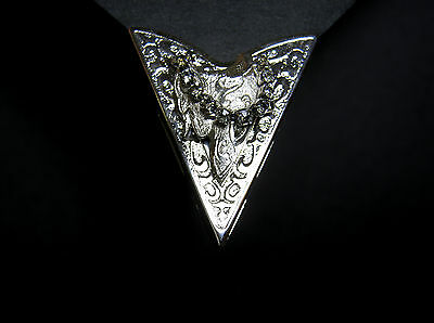 Vintage Usa Made Silver Tone Saddle With Rhinestones Western Collar Tips