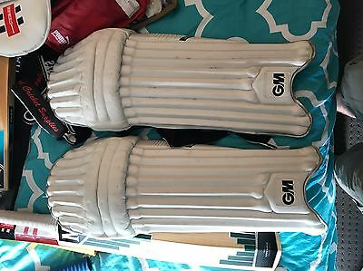 GM Original LE Men's Right Hand Pads And Gloves RRP$270+