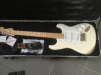 USA Fender Standard Stratocaster As New Unplayed 2011 Electric Guitar