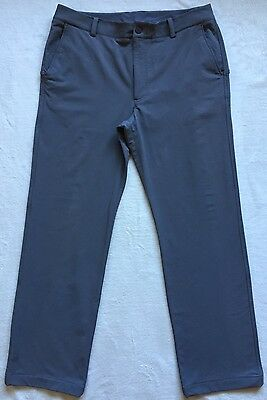 Mens Under Armour Performance Grey Golf Trousers size 34R.New.