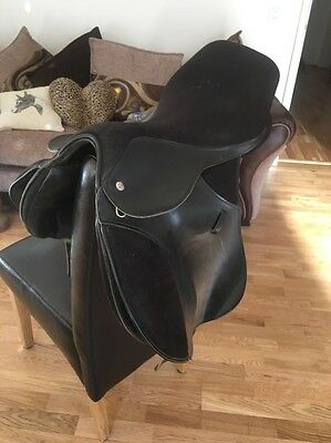 16 Inch Black Thorowgood Pony Club Saddle Narrow To Medium Width