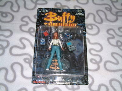 1999 Moore Action Buffy Willow in Blue Jeans Action Figure