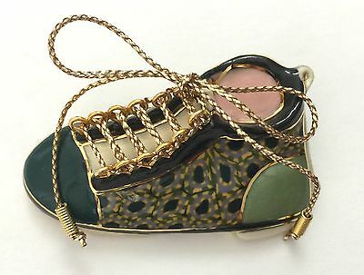 Cynthia Chuang Jewelry 10 Pin SHOE With Gold Colored Laces Hand Crafted Stamped