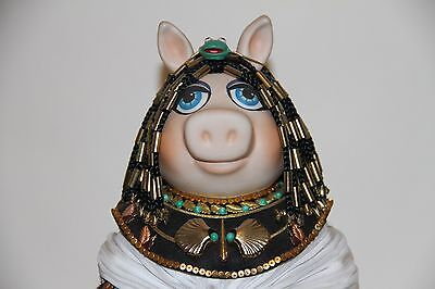 Jim Henson's Muppets Miss Piggy as Cleopigtra 1985 - no. 0955/2500