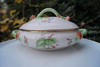 Herend Rosehip patterned flat tureen