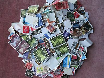 Job Lot of 500 Great Britain Stamps.