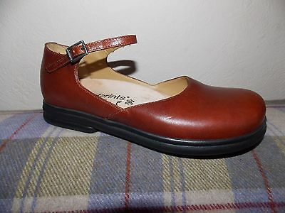 Ladies size uk5 brown leather FOOTPRINTS shoes size uk5