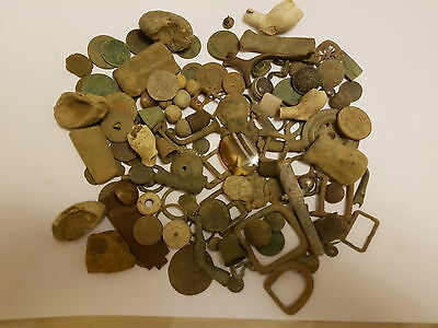 metal detecting finds roman medieval fossils