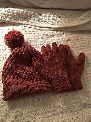 BNWOT Pure Wool Ladies Hand Knit Hat/Gloves Set Rose Colour