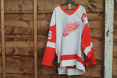 Steve Yzerman Signed Detroit Red Wings Jersey Nhl Home Shirt Autograph +Coa