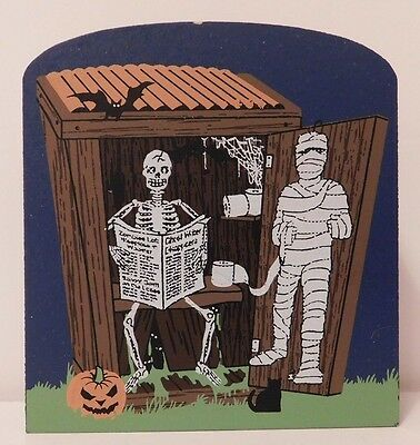 2005 The Cat's Meow SKELETON OUTHOUSE  Halloween release   Faline