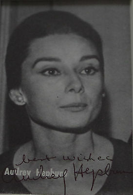 * AUDREY HEPBURN * authentic Autograph - hand signed Photocard