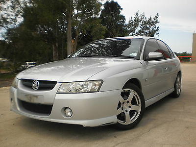 2005 Vz Sv6 Holden Commodore With Air Conditioning
