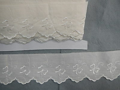 Broderie Anglaise Flat Cream Lace Bow Pattern  x 5 mts