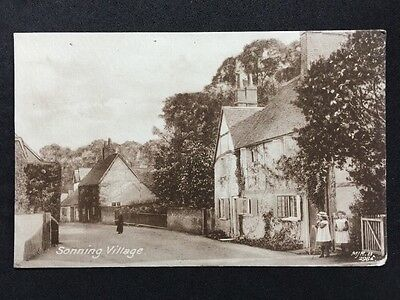 Vintage Postcard - Berkshire #25 - RP Sonning Village - Children Playing Hoops