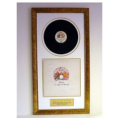 QUEEN – A Night At The Opera – LP – Fully signed including Freddie