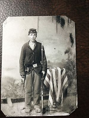 Civil War Military Soldier With Rifle & Flag TinType C201NP