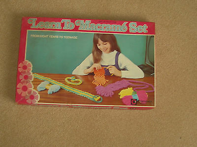 vintage learn to macrame by combex