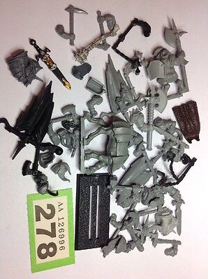 Warhammer Fantasy / Age Of Sigmar, Large Warriors Chaos Bits Part Spares  #278