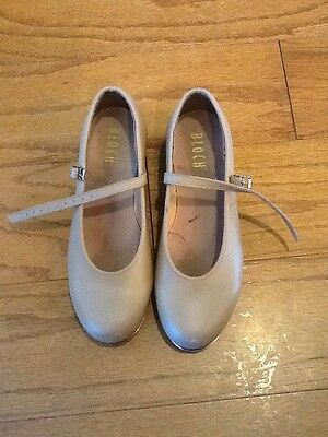 Girl's Tap Shoes From Bloch, Size 7!