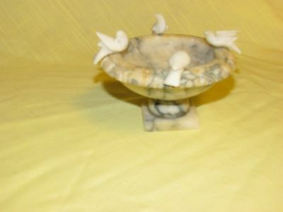 Vintage Mid Century Hand Carved Round Marble Bird Bath With 4 Birds: Italy Made