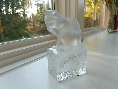Adorable Lalique Crystal Cat / Kitten On Block Grooming,  #11678