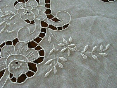 """WOW Unused Vtg MADEIRA Linen Banquet Tablecloth 120"""" Hand Embroidered White"""