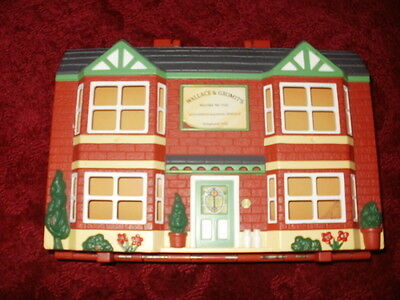 Wallace And Gromit Playset Carry House 6 figures