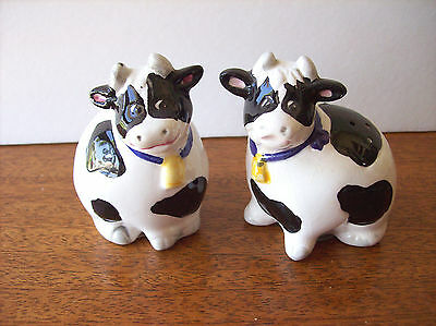 Black and White Cows Salt and Pepper Shakers Ceramic Xlnt Condition