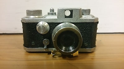 Vintage GEM 16 Model II SUBMINIATURE CAMERA with CASE -- Made in Japan