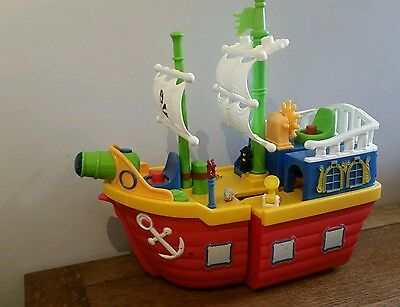 pirate ship with lots of Sounds