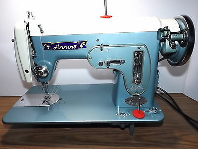 TOYOTA Industrial Strength HEAVY DUTY ZIGZAG Sewing Machine LEATHER