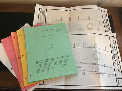 Star Trek Deep Space Nine Grouping Of 2 Director's Plan And 6 Scripts