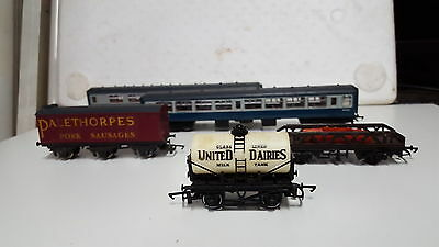 Hornby Model Train Carraiges