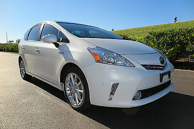 2014 Toyota Prius V Five (Leather, sunroof, JBL-Audio, LOADED) 2014 Toyota Prius V Five. Sunroof, Keyless start, Leather, Tech package, 45 mpg!