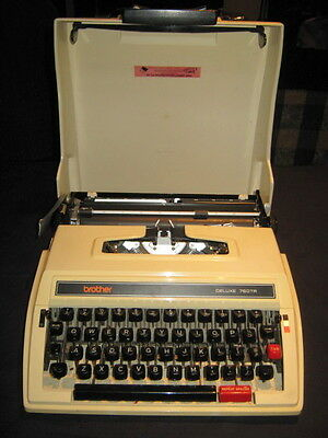 Typewriter Brother Deluxe 760TR Vintage