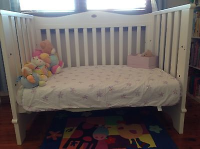 Boori 3 In 1 Cot & Change Table