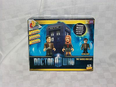 Dr Who The Tardis Mini Set 2 figures included The 11 Doctor & Amy Pond