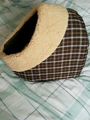 Cat Kitten Cave Bed House Igloo Sleeping Pet Puppy Dog Never been used
