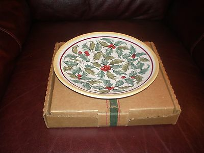"""Longaberger 8"""" American Holly Plate - Made in USA"""