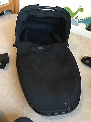 Quinny Foldable Carrycot in Black
