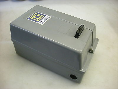 Square D NEMA Size 0 Motor Starter 8536SBG2 240VAC Coil - No thermal Overloads