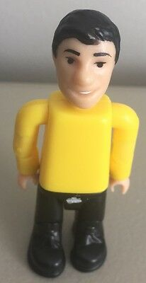 """The Wiggles Greg Yellow Figure Big Red Car Jointed Figure 2003 3"""" Rare"""