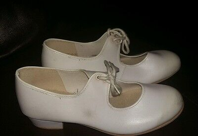 Girls White Tap Shoes Size 2 Lace Up