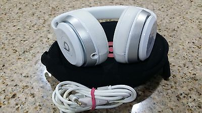 Authentic Beats Dre Solo 2.0 Wired Headband White Headphones used excellent !!!