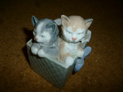 Nao kittens in box porcelain 1080 Spain